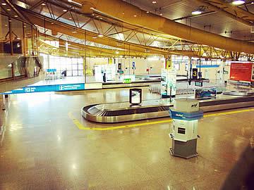 Terminal - baggage carousels