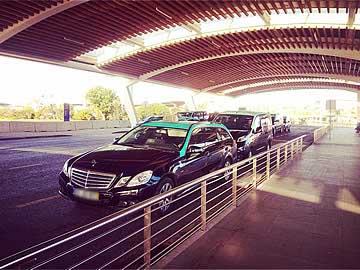 4 and 8 seater taxis at Faro airport